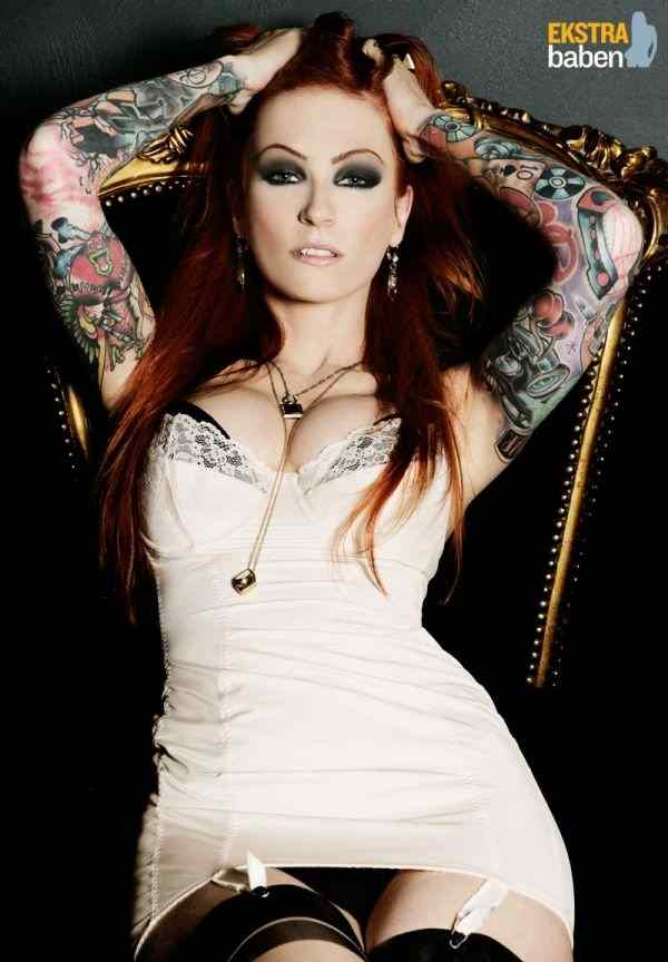 hot_girls_with_tattoos_88